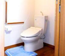 隣接トイレ.jpg