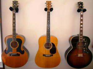 3本のギター.jpg